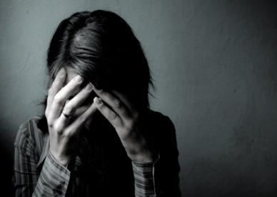 خلفيات بنات حزينة جداً-خلفيات فور يو