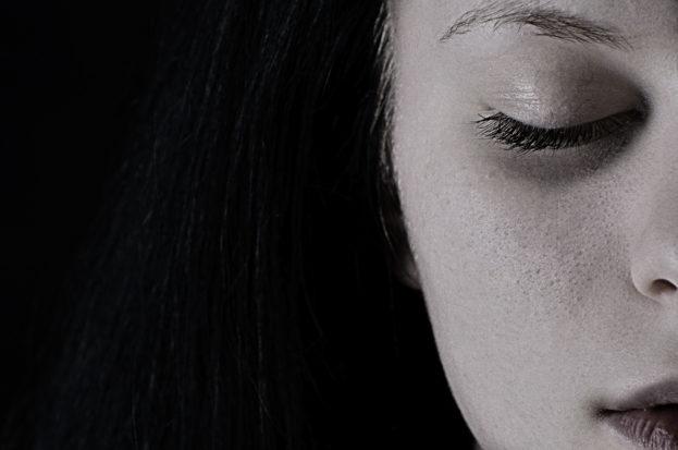 خلفيات كبيرة حزينة خلفيات حزن وزعل مؤثرة جداً-خلفيات فور يو